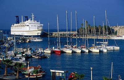 Griechenland, Dodekanes, Kos: Faehre im Hafen von Kos-Stadt   Greece, Dodekanes, Kos, Kos-City: ferry at harbour