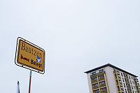 """Etwa 150 Anhaenger der sogenannten Hoygida, ein Ableger rechten Pegida-Bewegung im saechsischen Hoyerswerda, versammelten sich am Samstag den 24. Januar 2015 in der Kleinstadt zu einer Demonstration gegen eine angebliche Islamisierung Deutschlands.<br /> Etwa 100 der Veranstaltungsteilnehmer waren militante Neonazis und Hooligans aus Sachsen und Brandenburg.<br /> Im Biuld: Ein Schild mit der Aufschrift """"Bautzen belegt"""" soll symbolisieren, dass es keine Auslaender in der sachsischen Kleinstadt geben soll.<br /> 24.1.2015, Hoyerswerda<br /> Copyright: Christian-Ditsch.de<br /> [Inhaltsveraendernde Manipulation des Fotos nur nach ausdruecklicher Genehmigung des Fotografen. Vereinbarungen ueber Abtretung von Persoenlichkeitsrechten/Model Release der abgebildeten Person/Personen liegen nicht vor. NO MODEL RELEASE! Nur fuer Redaktionelle Zwecke. Don't publish without copyright Christian-Ditsch.de, Veroeffentlichung nur mit Fotografennennung, sowie gegen Honorar, MwSt. und Beleg. Konto: I N G - D i B a, IBAN DE58500105175400192269, BIC INGDDEFFXXX, Kontakt: post@christian-ditsch.de<br /> Bei der Bearbeitung der Dateiinformationen darf die Urheberkennzeichnung in den EXIF- und  IPTC-Daten nicht entfernt werden, diese sind in digitalen Medien nach §95c UrhG rechtlich geschuetzt. Der Urhebervermerk wird gemaess §13 UrhG verlangt.]"""