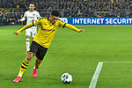 14.02.2020, Signal Iduna Park, Dortmund, GER, 1. BL, Borussia Dortmund vs Eintracht Frankfurt, DFL regulations prohibit any use of photographs as image sequences and/or quasi-video<br /> <br /> im Bild / picture shows / Jadon Sancho (#7, Borussia Dortmund) schiesst auf das Tor<br /> <br /> Foto © nordphoto/Mauelshagen