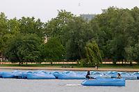 LONDON-UK- 24-05-2008. Botes en el lago Serpentine, Hyde Park, Londres. Boats in the Serpentine lake at Hyde Park, London. Photo: VizzorImage