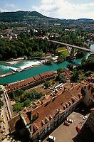Blick von Münsterplattform auf Aarewehr in Bern, Schweiz, Unesco-Weltkulturerbe