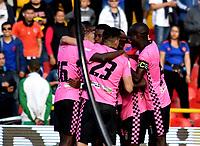 BOGOTÁ - COLOMBIA, 22-07-2018: Los jugadores de Boyacá Chicó F. C., celebran el gol anotado Millonarios, durante partido de la fecha 1 entre Millonarios y Boyacá Chicó F. C., por la Liga Aguila II-2018, jugado en el estadio Nemesio Camacho El Campin de la ciudad de Bogota. / The players of Boyaca Chico F. C. celebrate the scored goal to Millonarios, during a match of the 1st date between Millonarios and Boyaca Chico F. C., for the Liga Aguila II-2018 played at the Nemesio Camacho El Campin Stadium in Bogota city, Photo: VizzorImage / Luis Ramirez / Staff.