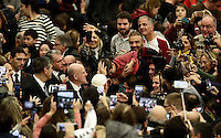 Papa Francesco benedice un bambino al suo arrivo all'udienza generale del mercoledi' in aula Paolo VI in Vaticano, 28 dicembre 2016.<br /> Pope Francis blesses a child as he arrives to lead  his weekly general audience in Paul VI Hall at the Vatican, on December 28, 2016.<br /> UPDATE IMAGES PRESS/Isabella Bonotto<br /> <br /> STRICTLY ONLY FOR EDITORIAL USE