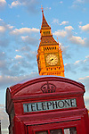 United Kingdom, England, London: Telephone box and Big Ben in Parliament Square | Grossbritannien, England, London: rote Telefonzelle am Parliament Square mit Big Ben