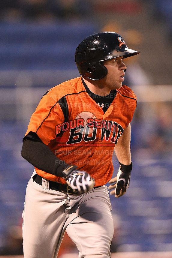 Bowie Baysox designated hitter David Adams (28) runs to first during a game against the Binghamton Mets on August 3, 2014 at NYSEG Stadium in Binghamton, New York.  Bowie defeated Binghamton 8-2.  (Mike Janes/Four Seam Images)