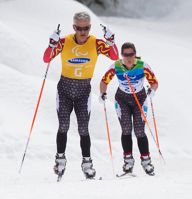 Robbi Weldon and Brian Berry, Vancouver 2010 - Para Nordic Skiing // Ski paranordique.<br /> Robbi Weldon and guide Brian Berry compete in Para Nordic Skiing // Robbi Weldon et guide Brian Berry participent en ski paranordique. 15/03/2010.