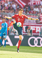 Niklas SUELE, FCB 4   <br /> FC BAYERN MUENCHEN - VFB STUTTGART 1-4<br /> Football 1. Bundesliga , Muenchen,12.05.2018, 34. match day,  2017/2018, , 28.Meistertitel, <br />   *** Local Caption *** © pixathlon<br /> Contact: +49-40-22 63 02 60 , info@pixathlon.de