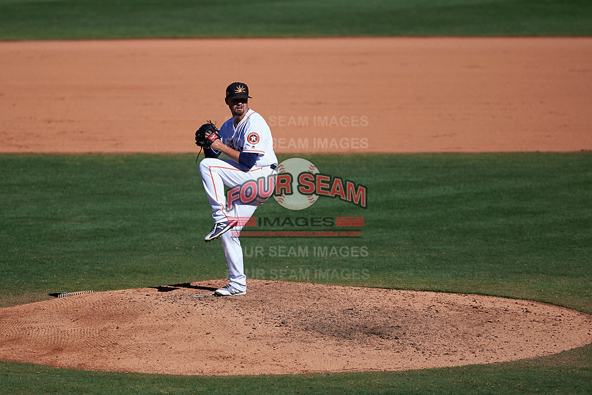 Mesa Solar Sox relief pitcher Dean Deetz (19), of the Houston Astros organization, delivers a pitch to the plate during an Arizona Fall League game against the Scottsdale Scorpions on October 24, 2017 at Sloan Park in Mesa, Arizona. The Scorpions defeated the Solar Sox 3-1. (Zachary Lucy/Four Seam Images)