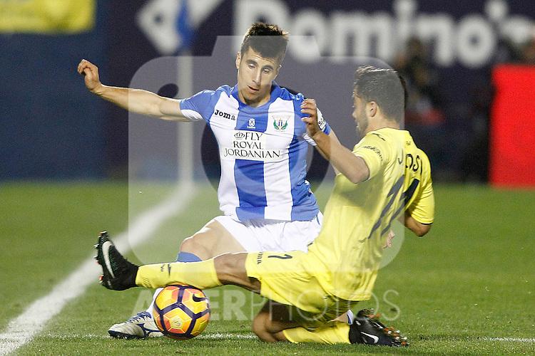 CD Leganes' Unai Bustinza (l) and Villarreal CF's Jaume Costa during La Liga match. December 3,2016. (ALTERPHOTOS/Acero)