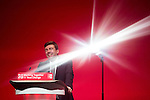 © Joel Goodman - 07973 332324 . 28/09/2016 . Liverpool , UK . Greater Manchester Mayoralty candidate ANDY BURNHAM delivers his final speech as shadow Home Affairs spokesman , during the final day of the Labour Party Conference at the ACC in Liverpool . Photo credit : Joel Goodman