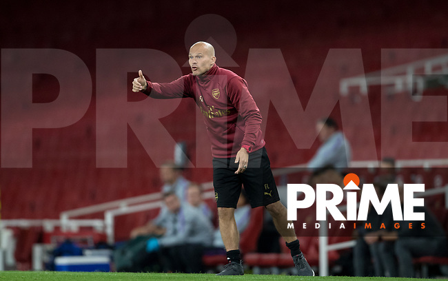 Arsenal U23 Manager Freddie Ljungberg gives a thumb up after his side score the second goal during the Premier League 2 match between Arsenal U23 and Tottenham Hotspur U23 at the Emirates Stadium, London, England on 31 August 2018. Photo by Andy Rowland.