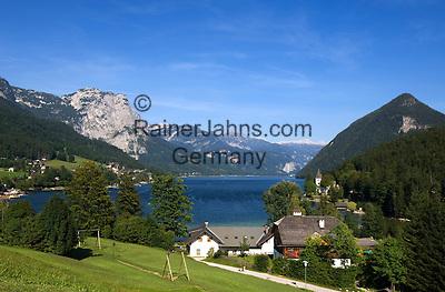 Austria, Styrian Salzkammergut, Grundlsee: village and lake with Backenstein (1.772 m)