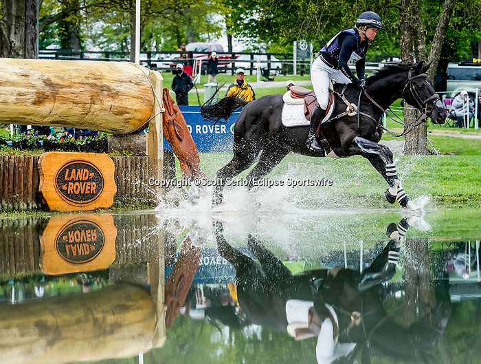 April 24, 2021: Jonelle Price competes in the Cross Country phase of the Land Rover 5* 3-Day Event aboard Classic Moet at the Kentucky Horse Park in Lexington, Kentucky. Scott Serio/Eclipse Sportswire/CSM