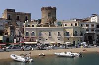 Forio an der Westküste, Ischia, Italien