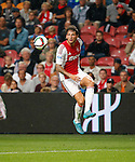 Nederland, Amsterdam, 15 augustus 2015<br /> Eredivisie<br /> Seizoen 2015-2016<br /> Ajax-Willem ll (3-0)<br /> Mitchell Dijks van Ajax in actie met bal
