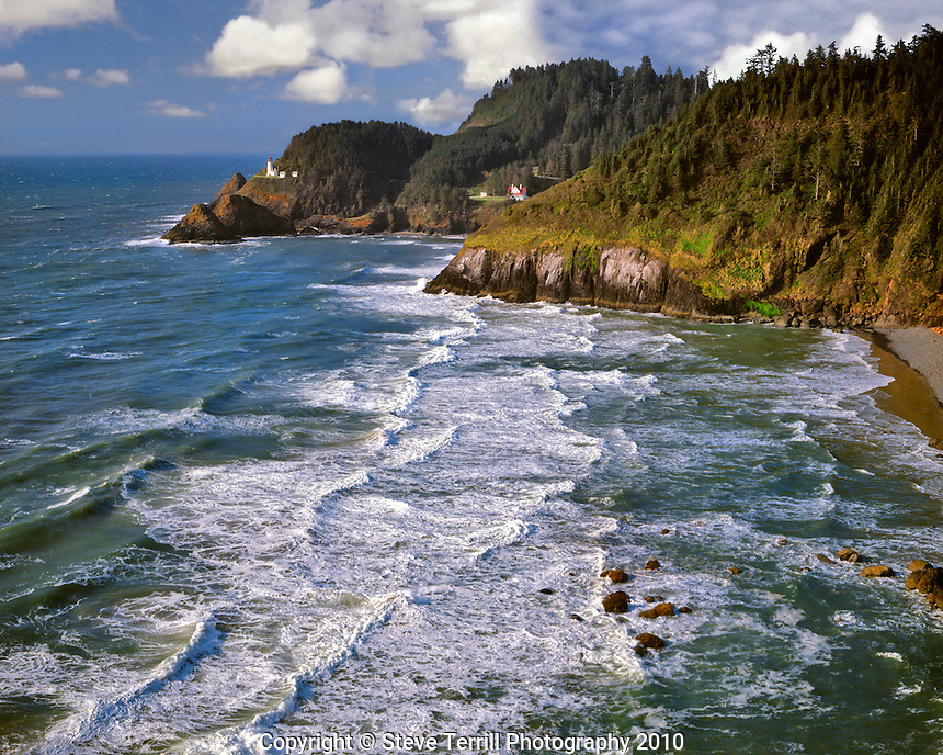 Heceta Head Lighthouse on Oregon Coast