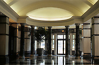 Washington D.C. : The (New) Evening Star Building--Lobby. Photo '91.