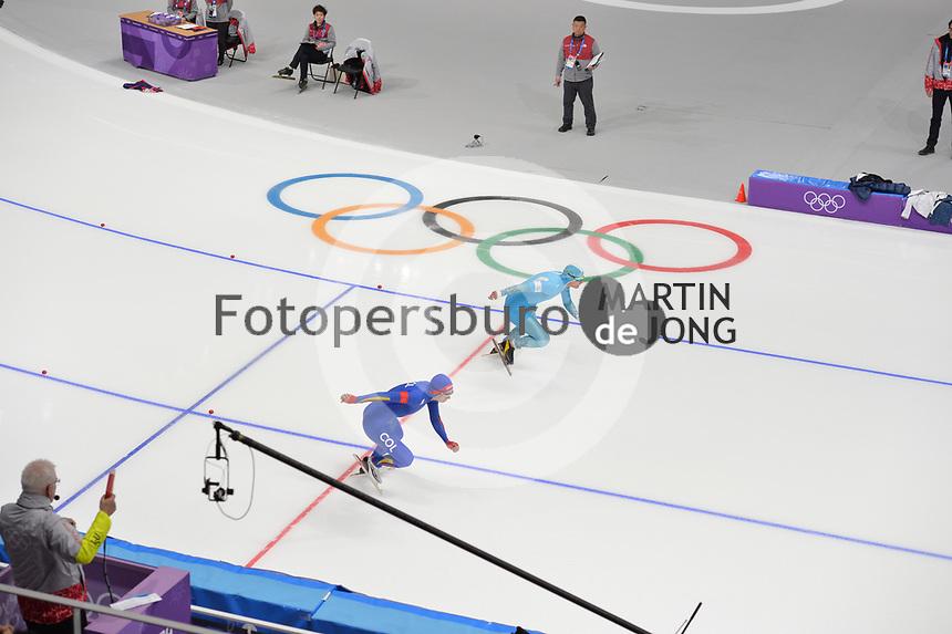 OLYMPIC GAMES: PYEONGCHANG: 19-02-2018, Gangneung Oval, Long Track, 500m Men, Stanislav Palkin (KAZ), Pedro Causil (COL), ©photo Martin de Jong