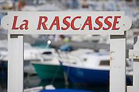 Europe/France/Provence-Alpes-Côte d'Azur/13/Bouches-du-Rhône/Marseille:Sur le port des Goudes - Enseigne d'une association de marins