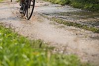 muddy gravel<br /> <br /> Dwars door het Hageland (1.1)<br /> 1 Day Race: Aarschot > Diest (194km)