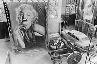 1967 FILE PHOTO - ARCHIVES -<br /> <br /> American icons: U. S. exhibition at Montreal included this gigantic Marilyn Monroe blow-up and postwar taxi. People argued for months about this pavilion.<br /> <br /> 1967<br /> <br /> PHOTO : Boris Spremo - Toronto Star Archives - AQP