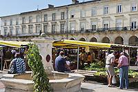 Europe/France/Aquitaine/47/Lot-et-Garonne/Marmande: Place du Marché