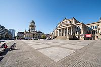 Berlin, Stadtansichten.<br /> Im Bild: Der Gendarmenmarkt mit dem Konzerthaus (rechts im Bild) und dem Deutschen Dom (links im Bild). Aufgrund der Ausgangsbeschraenkungen im Rahmen der Covid-19-Pandemie ist der Platz menschenleer.<br /> 20.4.2020, Berlin<br /> Copyright: Christian-Ditsch.de<br /> [NUR FUER REDAKTIONELLE ZWECKE! Werbung nur auf Anfrage beim Fotografen. Inhaltsveraendernde Manipulation des Fotos nur nach ausdruecklicher Genehmigung des Fotografen. Vereinbarungen ueber Abtretung von Persoenlichkeitsrechten/Model Release der abgebildeten Person/Personen liegen nicht vor. NO MODEL RELEASE! Don't publish without copyright Christian-Ditsch.de, Veroeffentlichung nur mit Fotografennennung, sowie gegen Honorar, MwSt. und Beleg. Konto: I N G - D i B a, IBAN DE58500105175400192269, BIC INGDDEFFXXX, Kontakt: post@christian-ditsch.de<br /> Bei der Bearbeitung der Dateiinformationen darf die Urheberkennzeichnung in den EXIF- und  IPTC-Daten nicht entfernt werden, diese sind in digitalen Medien nach §95c UrhG rechtlich geschuetzt. Der Urhebervermerk wird gemaess §13 UrhG verlangt.]