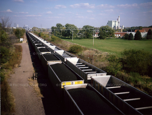 Iowa, Davenport, <br /> USA<br /> August 2008<br /> <br /> Trains full of coal make their way east on US rail roads.