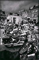 Europe/France/Nord-Pas-de-Calais/59/Nord/ Bailleul: Friterie sur la place lors d'une concentration de motards