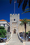 Kroatien, Dalmatien, Korcula: mittelalterliche Stadt auf gleichnamiger Insel - Geburtsort Marco Polos - Stadttor | Croatia, Dalmatia, Korcula: medieval town on identical island  - Marco Polo's place of birth - town gate