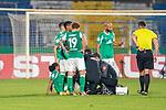 12.09.2020, Ernst-Abbe-Sportfeld, Jena, GER, DFB-Pokal, 1. Runde, FC Carl Zeiss Jena vs SV Werder Bremen<br /> <br /> Schrecksekunde bei Werder Tahith Chong (Werder Bremen #22) wird nach einem Foul von Dr. Daniel Hellermann (Mannschaftsarzt Werder Bremen) behandelt <br /> <br /> <br />  <br /> <br /> <br /> Foto © nordphoto / Kokenge