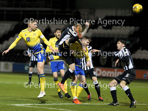 St Mirren v St Johnstone…19.12.20   St Mirren Park      SPFL<br />Liam Gordon's header is tipped onto the bar by Jak Alnwick<br />Picture by Graeme Hart.<br />Copyright Perthshire Picture Agency<br />Tel: 01738 623350  Mobile: 07990 594431