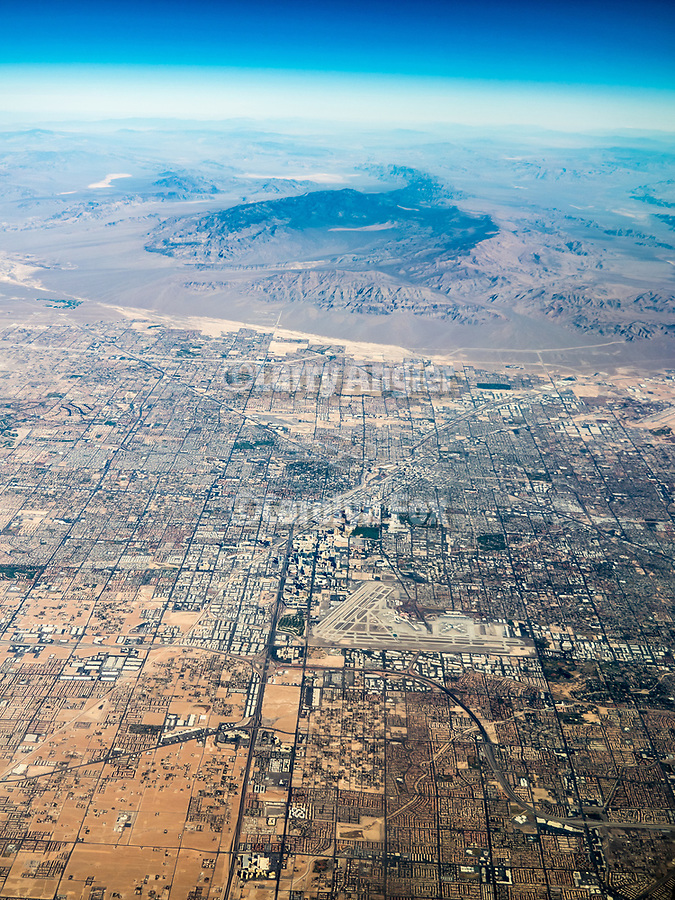 Los Vegas, Nevada, America's flyover country: SMF-LAX-MDW