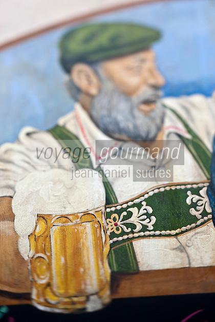 Europe/Autriche/Niederösterreich/Vienne: Détail  du mur peint, enseigne de la façade du bar à bière, pub: Centimeter sur  Stiftgasse