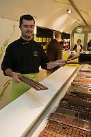 Europe/France/Bretagne/29/Finistère/Brest: Pierre-Yves Hénaff  Chocolatier: C. Chocolat [Non destiné à un usage publicitaire - Not intended for an advertising use]