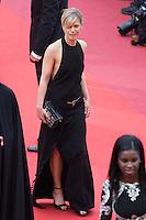 Marina Fois - CANNES 2016 - MONTEE DES MARCHES - CEREMONIE DE CLOTURE