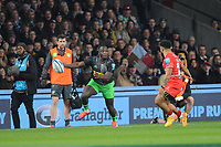 Gabriel Ibitoye of Harlequins in action during Big Game 12 in the Gallagher Premiership Rugby match between Harlequins and Leicester Tigers at Twickenham Stadium on Saturday 28th December 2019 (Photo by Rob Munro/Stewart Communications)