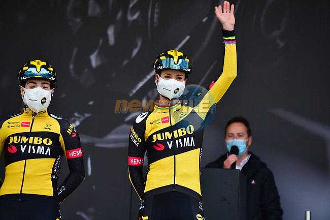 Marianne Vos (NED) Jumbo-Visma Women Cycling Team at sign on before the 2021 Flèche-Wallonne Femmes, running 130.2 km from Huy to Huy, Belgium. 21st April 2021.  <br /> Picture: A.S.O./Gautier Demouveaux | Cyclefile<br /> <br /> All photos usage must carry mandatory copyright credit (© Cyclefile | A.S.O./Gautier Demouveaux)