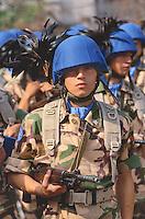 """- Bersaglieri (mechanized infantry ) of the """"Legnano"""" brigade leaving for the UN peace operation in Somalia ....- bersaglieri della brigata """"Legnano"""" in partenza per la missione di pace ONU in Somalia.."""