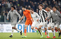 Calcio, Serie A: Torino, Juventus Stadium, 5 febbraio 2017.<br /> From left: Juventus' players Juan Cuadrado, Gianluigi Buffon, Claudio Marchisio, Daniele Rugani, Leonardo Bonucci and Paulo Dybala celebrate at the end of the Italian Serie A football match between Juventus and Inter Milan at Turin's Juventus Stadium, on February 5, 2017.<br /> UPDATE IMAGES PRESS/Isabella Bonotto