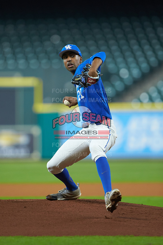Kentucky Wildcats starting pitcher Justin Lewis (21) in action against the Louisiana Ragin' Cajuns in game seven of the 2018 Shriners Hospitals for Children College Classic at Minute Maid Park on March 4, 2018 in Houston, Texas.  The Wildcats defeated the Ragin' Cajuns 10-4. (Brian Westerholt/Four Seam Images)