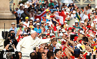 20150703 VATICANO: PAPA FRANCESCO INCONTRA GLI APPARTENENTI AL RINNOVAMENTO NELLO SPIRITO