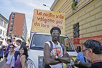 - Milano, MayDay Parade demonstration, organized by leftist groups and organizations for the defense of temporary workers and the access to the job of  young people<br /> <br /> - Milan, manifestazione MayDay Parade, organizzata  da gruppi e organizzazioni di sinistra per la difesa dei lavoratori precari e l'accesso al lavoro dei giovani