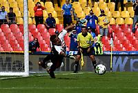 BOGOTÁ-COLOMBIA, 17–08-2019: Cristian Bonilla de La Equidad se lanza por el balón, durante partido entre Millonarios y La Equidad de la fecha 6 por la Liga Águila II 2019  jugado en el estadio Nemesio Camacho El Campín de la ciudad de Bogotá. / Cristian Bonilla of La Equidad, dives for the ball during a match between Millonarios and La Equidad of the 6th date for the Aguila Leguaje II 2019 played at the Nemesio Camacho El Campin Stadium in Bogota city, Photo: VizzorImage / Luis Ramírez / Staff.