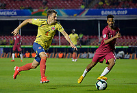 SAO PAULO – BRASIL, 19-06-2019:Santiago Arias de Colombia en acción durante partido de la Copa América Brasil 2019, grupo B, entre Colombia y Catar jugado en el Estadio Morumbí de Sao Paulo, Brasil. / Santiago Arias of Colombia in action during the Copa America Brazil 2019 group B match between Colombia and Qatar played at Morumbi stadium in Sao Paulo, Brazil. Photos: VizzorImage / Julian Medina / Contribuidor