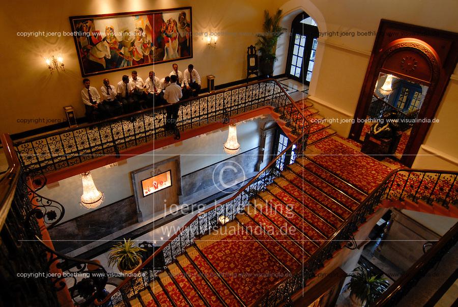 INDIA Mumbai , stairwell of Five Star Hotel Taj Mahal of TATA Group / INDIEN, Mumbai, Treppenhaus des 5 Sterne Hotel Taj Mahal Hotel der zum TATA Konzern gehoerenden Taj Hotels Group , gebaut 1903 in Moorish Oriental and Florentine styles