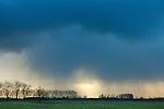 Europa, DEU, Deutschland, Nordrhein Westfalen, NRW, Rheinland, Niederrhein, Xanten, Naturschutzgebiet Xantener Altrhein, Bislicher Insel, Wolkenstimmung, Wetterfront, Polare Kaltluft, Regen, Kategorien und Themen, Natur, Umwelt, Landschaft, Landschaftsfotos, Landschaftsfotografie, Landschaftsfoto, Wetter, Himmel, Wolken, Wolkenkunde, Wetterbeobachtung, Wetterelemente, Wetterlage, Wetterkunde, Witterung, Witterungsbedingungen, Wettererscheinungen, Meteorologie, Bauernregeln, Wettervorhersage, Wolkenfotografie, Wetterphaenomene, Wolkenklassifikation, Wolkenbilder, Wolkenfoto....[Fuer die Nutzung gelten die jeweils gueltigen Allgemeinen Liefer-und Geschaeftsbedingungen. Nutzung nur gegen Verwendungsmeldung und Nachweis. Download der AGB unter http://www.image-box.com oder werden auf Anfrage zugesendet. Freigabe ist vorher erforderlich. Jede Nutzung des Fotos ist honorarpflichtig gemaess derzeit gueltiger MFM Liste - Kontakt, Uwe Schmid-Fotografie, Duisburg, Tel. (+49).2065.677997, archiv@image-box.com, www.image-box.com]