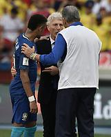 BARRANQUILLA - COLOMBIA - 05-09-2017:  Neymar JR (Izq) Jose Pekerman (C) and Tite (BRA) (Der) hablan después del partido entre Colombia y Brasil por la fecha 16 de la clasificatoria a la Copa Mundial de la FIFA Rusia 2018 jugado en el estadio Metropolitano Roberto Melendez en Barranquilla. / Neymar JR (L) Jose Pekerman (C) and Tite (BRA) (R) talk after the match between Colombia and Brazil for the date 16 of the qualifier to FIFA World Cup Russia 2018 played at Metropolitan stadium Roberto Melendez in Barranquilla. Photo: VizzorImage/ Gabriel Aponte / Staff