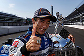 #30: Takuma Sato, Rahal Letterman Lanigan Racing Honda poses for photos