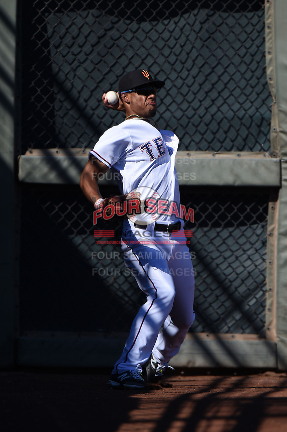 Surprise Saguaros outfielder Nick Williams (7) during an Arizona Fall League game against the Scottsdale Scorpions on October 11, 2014 at Surprise Stadium in Surprise, Arizona.  Scottsdale defeated Surprise 7-6.  (Mike Janes/Four Seam Images)
